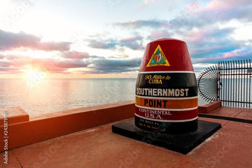 Valokuvatapetti Key West Southernmost Point