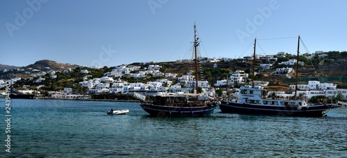 Photo  Masted yachts in the harbour of Mykonos