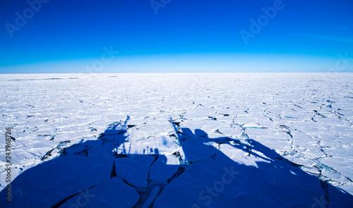 Obraz na plátne Oceanography in Antarctica