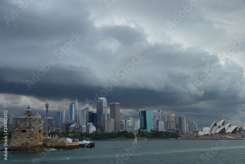 Canvas Print Sydney, Australia - Storm clouds over sidney looking like mothership from indepe