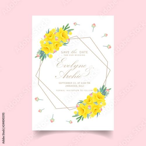 Fotografia floral wedding invitation with daffodils flower