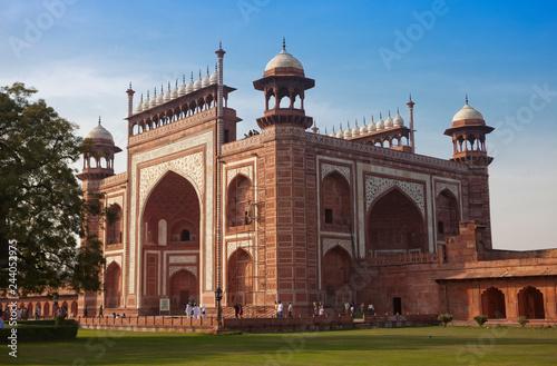 Deurstickers Asia land gate to Taj Mahal complex, India