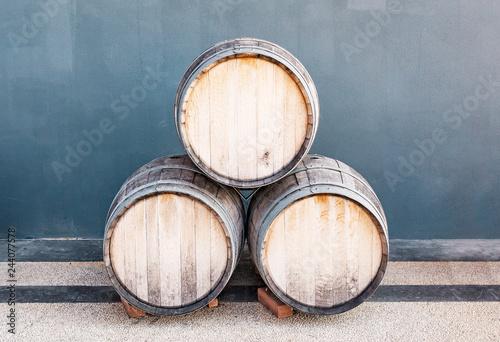 Cuadros en Lienzo Wine barrels near alcohol shop