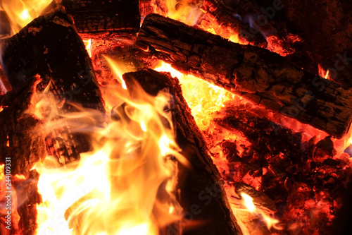 Fotografiet  firewood burning fire