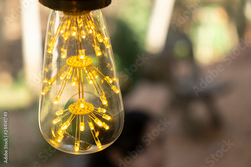 Retro Lampen Led : Classic retro incandescent led electric lamp warm white on blur