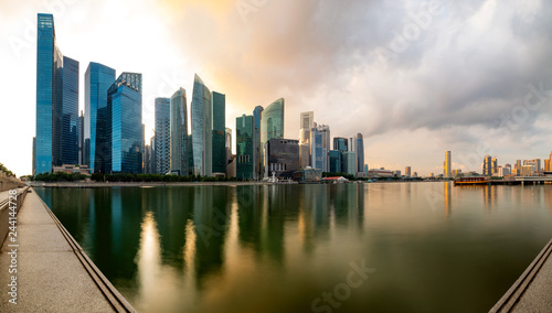 Deurstickers Buenos Aires Singapore financial district skyline at Marina bay on sun set time, Singapore city, South east asia.