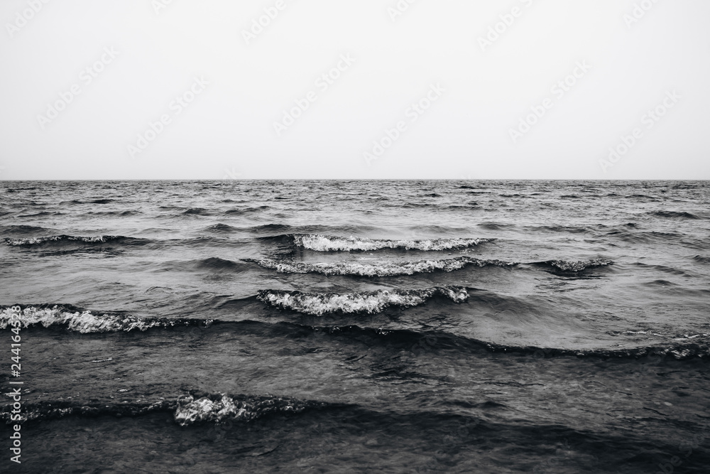 Fototapety, obrazy: waves in the sea black and white photo