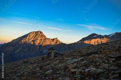 Fotografía  Sunrise on the 3000m high Torrenthorn near Leukerbad, with view of the swiss alp