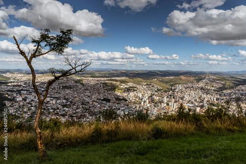 Poster Hyène Vista da cidade de Poços de Caldas, Minas Gerais, Brasil