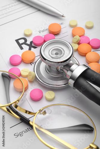 Fotografia  Prescription or Rx form. Medical still life