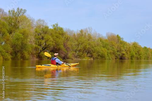 Obraz na plátně Spring kayaking