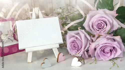 Fotografía  Konzept: Valentinstag, Hochzeit, Verlobung, Einladungskarte mit Textfreiraum