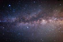 満天の星空と天の川と流れ星