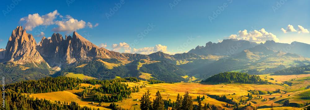 Fototapety, obrazy: Alpe di Siusi or Seiser Alm and Sassolungo mountain, Dolomites Alps, Italy.