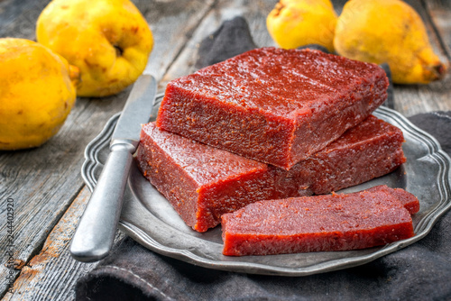 Tableau sur Toile Traditional Spanish dulce de membrillo as fruit bread with quince as closeup on