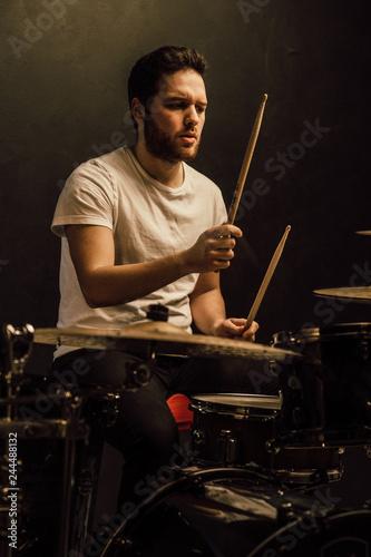 Fotografía professional drummer details