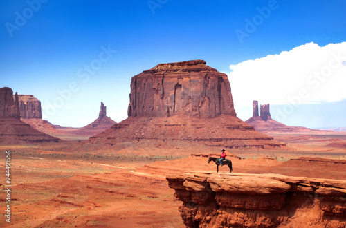 Spoed Foto op Canvas Verenigde Staten Monument Valley with Horseback rider