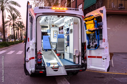 Photo Valencia, Spain - January 14, 2019: Interior of an ambulance with all its new material while paramedic are out in an emergency