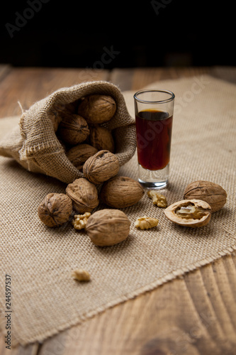 Nueces con licor