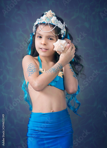 Photographie  Girl  in a mermaid costume