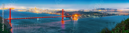 Canvas Prints American Famous Place Panorama of the Gold Gate Bridge and San Francisco city at night, California.ставрпо