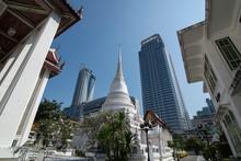 THAILAND BANGKOK WAT PATHUM WANARAM