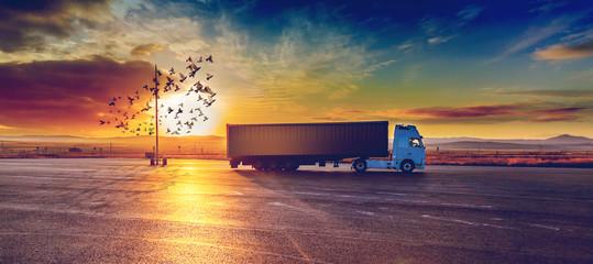 Camión y entrega de la merc...