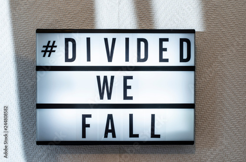 Cuadros en Lienzo Message divided we fall on illuminated board