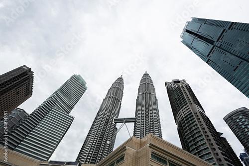 Poster de jardin Kuala Lumpur Rascacielos y torres Petronas, Kuala Lumpur (Malasia).