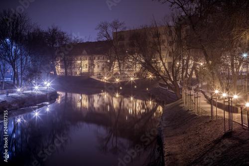nocne Opole nad wodą