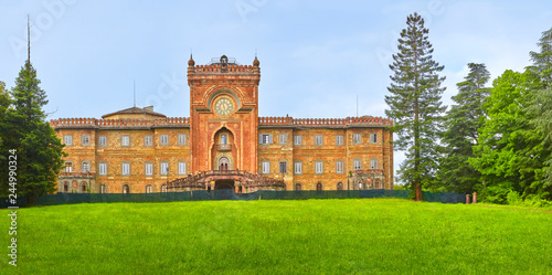 Piękny stary zniszczony zamek w Toskanii. Castello di Sammezzano.