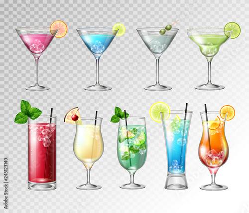 Fotografía  Set of Realistic cocktails  on transparent background