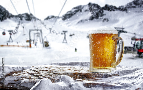 Spoed Foto op Canvas Bier / Cider Cold beer in mountains and free space for your decoration