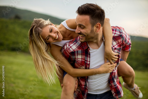 Fototapeta Happy couple having fun outdoor obraz