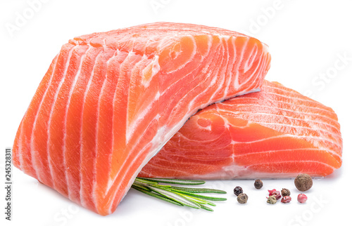 Poster Vis Fresh raw salmon fillets on white background.
