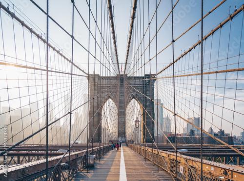 Naklejka premium Brooklyn Bridge rano