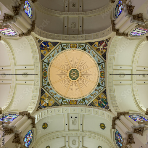 Fotografie, Obraz  Ceiling and dome inside the Sacred Heart Catholic Church in downtown Tampa, Flor