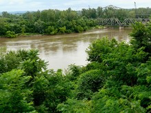 Missouri River Summer Landscap...