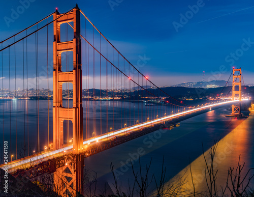 Fotografía golden gate bridge in san francisco at night