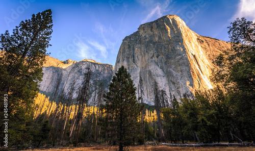 Photo  Dawn on El Capitan, Yosemite National Park, California