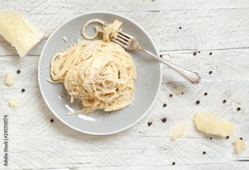 Cacio e pepe, italian cheese and pepper pasta