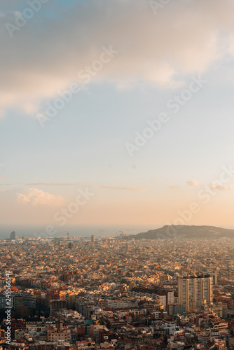 Spoed Foto op Canvas Verenigde Staten Cityscape sunset view from Bunkers Del Carmel, in Barcelona, Spain