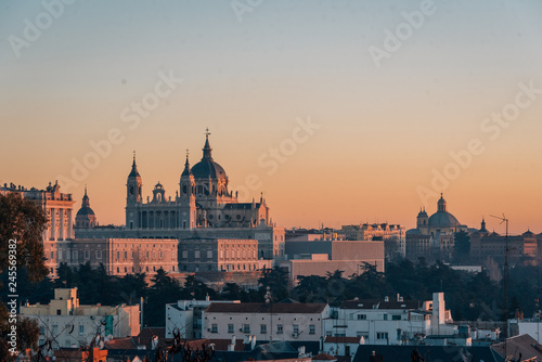 Spoed Foto op Canvas Verenigde Staten View of the Almudena Cathedral at sunset, from the Templo de Debod, in Madrid, Spain