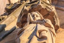 Sculpture Of The Praying Virgi...