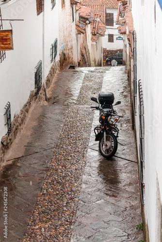 Fotobehang Zuid-Amerika land empty Cusco street