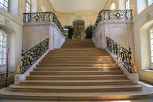 Dijon: Prachtvolles Treppenhau...