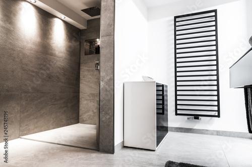 Modernes Badezimmer Klein Luxurios Modern Mit Offener Dusche