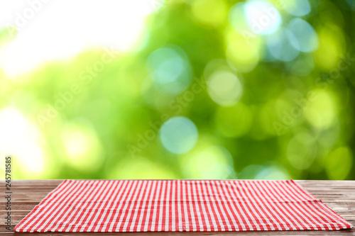 Stickers pour portes Pique-nique Beautiful green natural background