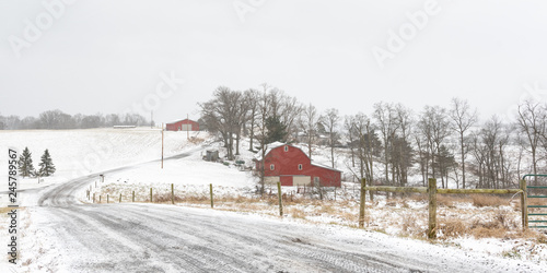 Photo Panorma of winter scene of rural farm in Appalachia