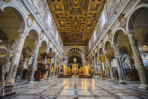 Rome, Italy - JANUARY 24, 2019: Interior of Basilica di Santa Maria in Ara coeli Billede på lærred